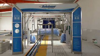 China Autobase Tunnel Car Wash Systems Machine , Swing Arm Top Brush And Bumper Cleaning supplier